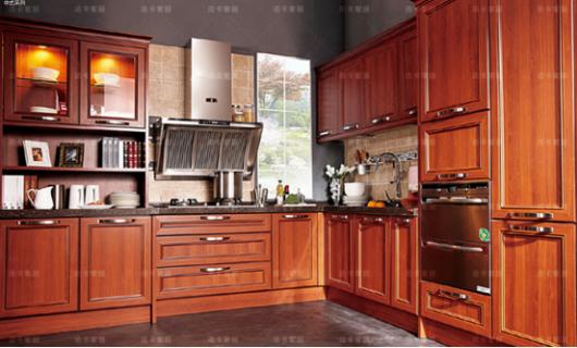 法卡全屋定制 橱柜门板选的好 厨房颜值差不了