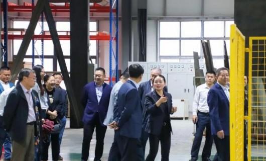 重庆市大足区委 区政府 区人大常委会 区政协领导一行莅临奢匠参观指导